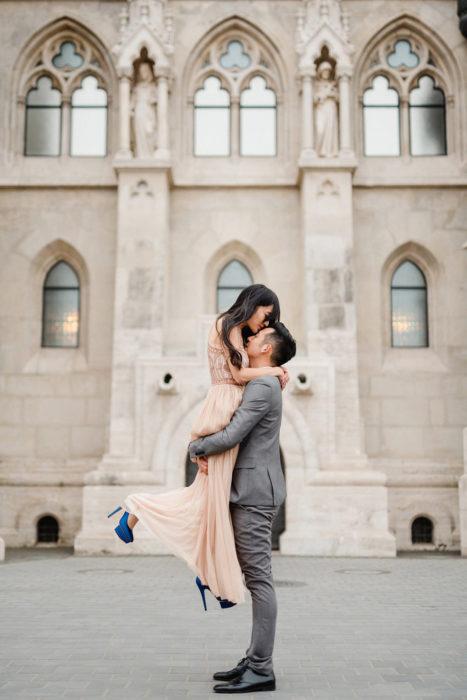 happy couple budapest buda castle