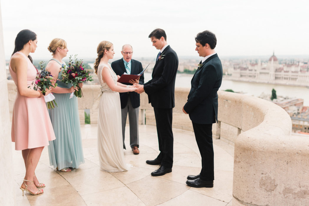 intimate wedding on margareta terasz fishermans bastion